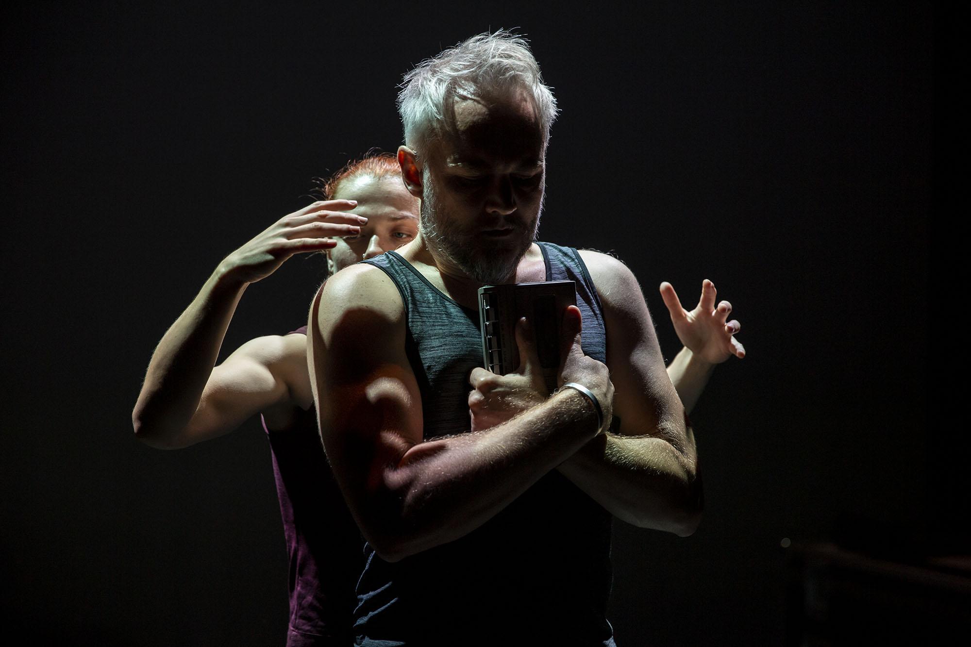 The Thing - Oliver Lansley & Miranda Mac Letten_©Gail Harland